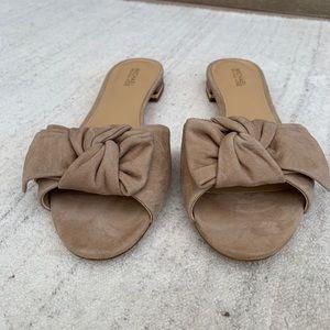 Michael kors beige suede flat sandals